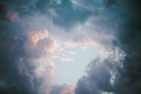 Germany, Berlin, cloud formation in the sky - KRPF001134