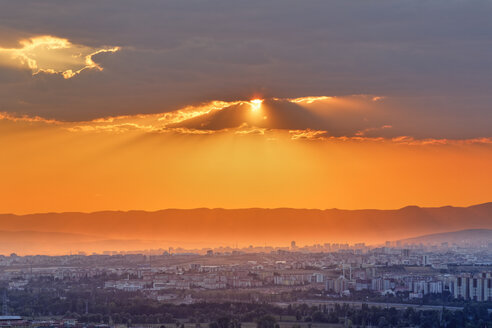 Turkey, Ankara, Sunset over city - SIEF005919