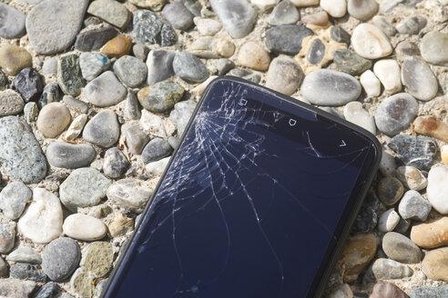 Broken smartphone - JTF000568