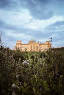 Germany, Berlin, Berlin-Tiergarten, Reichstag building in the evening - KRPF001141