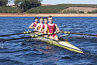 Coxless four rowing boat in water - ZEF000938