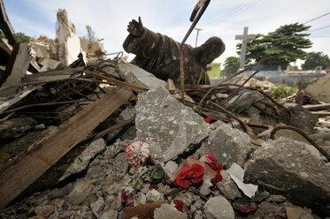Haiti, Port-au-Prince, Turgeau, Piled up ruins of Sacre Coeur church - FLK000454