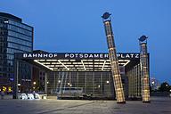 Germany, Berlin, station Potsdamer Platz - WIF001068