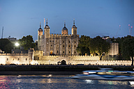 United Kingdom, England, London, River Thames, Tower of London in the evening light - PA000936