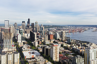 USA, Washington State, Seattle, Cityscape with Mount Rainier in the background - FOF007121
