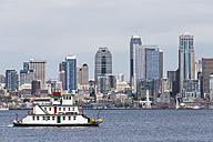 USA, Washington State, Puget Sound and skyline of Seattle with houseboat Annabelle Tacoma - FO007114
