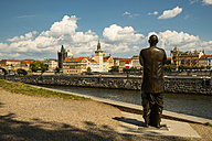 Czech Republic, Prague, Statue of harmony in remembrance of Sri Chinmoy, Vltava river and old town in the background - WGF000463