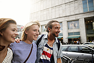 Germany, Berlin, Friends going out together - FKF000665