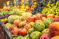 Spain, Catalonia, Barcelona, fruit stall at market hall - PU000100