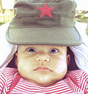 Baby girl with Vietnamese cap - DRF001103