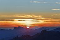 Austria, Upper Austria, Salzkammergut, view from Alberfeldkogel in Hoellen Mountains at sunset - SIEF006003