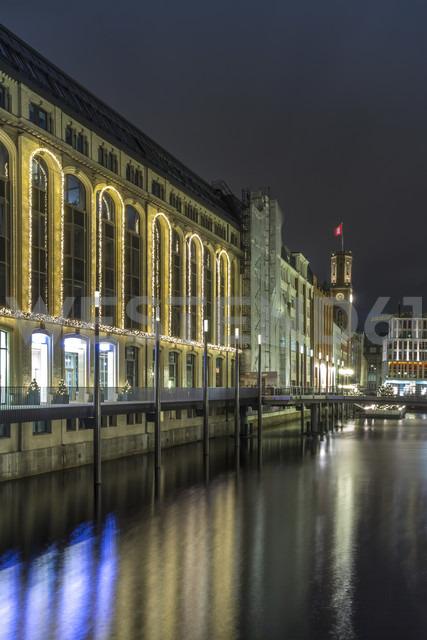 Germany, Hamburg, Alsterfleet in downtown Hamburg at Christmas time at night - NKF000197