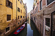 Italy, Veneto, Venice, Cannaregio District, Row of houses by the canal - THAF000626