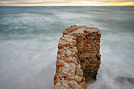 Spain, Andalusia, Natural Park of Cabo de Gata-Nijar, stone wall - DSGF000159