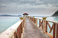 Malaysia, Perhentian Islands, wooden pier - DSGF000784