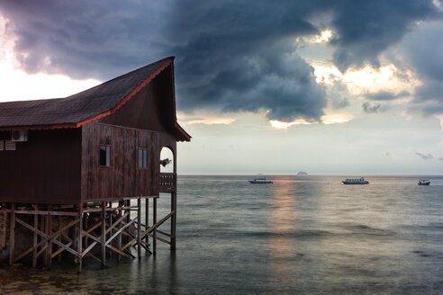 Malaysia, Tioman Island, sunset at Salang - DSGF000819