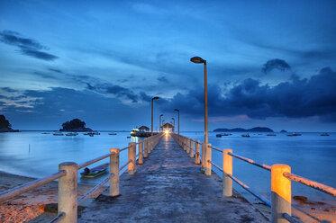 Malaysia, Tioman Island, dusk at Salang - DSGF000825