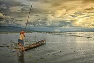 Myanmar, fisherman on Inle Lake - DSG000346