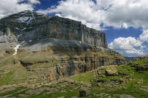 Spain, Ordesa National Park, rock formation - DSGF000404