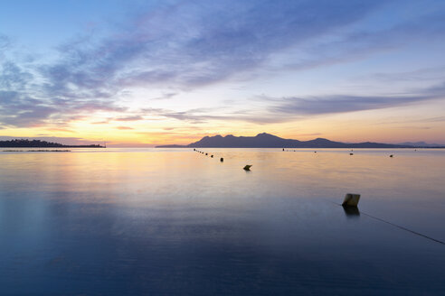 Spain, Balearic Islands, Mallorca, Can Picafort, Badia d'Alcudia in the morning light - MSF004303