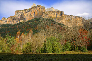 Spain, Ordesa National Park, rock formation - DSGF000417