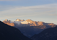Austia, Styria, Salzkammergut, Dachstein mountains in morning light, view from Tressenstein - SIEF006064