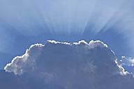 Germany, Bavaria, Ergolding, cloud and sunbeams - YFF000248
