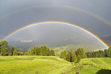 Italy, South Tyrol, Seiser Alm, Double Rainbow in front of Langkofel - UMF000731