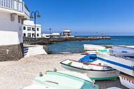Spain, Canary Islands, Lanzarote, Punta de la Vela, Fishing village Arrieta - AMF002952