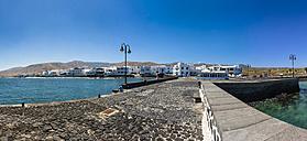 Spain, Canary Islands, Lanzarote, Punta de la Vela, Fishing village Arrieta, Panorama - AMF002955