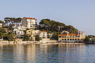 France, Provence-Alpes-Cote d'Azur, Department Var, Bandol, Hotel at the beach - WDF002659