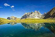 Germany, Bavaria, Allgaeu, Allgaeu Alps, Oy Valley, Lake Eissee, Mountain Grosser Wilder in the background - WGF000497