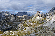 Italy, Veneto, Dolomites, Mountain scenery at the Tre Cime di Lavaredo area - RJF000315