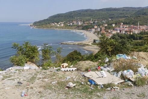 Turkey, Black Sea, Guezelkent, dump at the coast - SIE006172