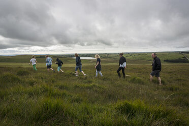 United Kingdom, England, Cornwall, Hikers at Bodmin Moor - PAF001018