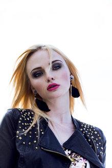 Portrait of rouged blond woman - DAWF000209