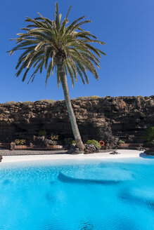 Spain,Canary Islands, Lanzarote, Jameos del Agua, swimming pool in lava cave - AM003102