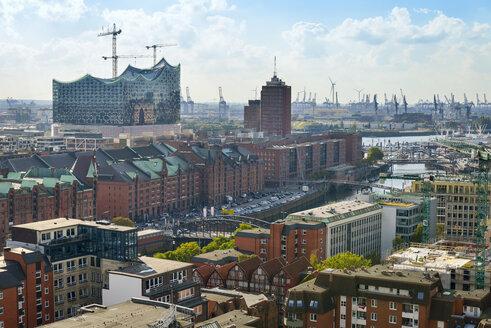 Germany, Hamburg, cityscape with Speicherstadt and Elbphilharmonie - RJF000344