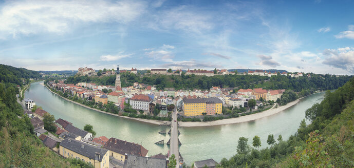 Germany, Bavaria, Burghausen, View to Old town and castle complex, Salzach river, 360 degree view - OPF000023