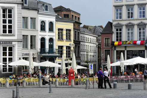 Belgium, Wallonia, Hainaut, Mons, Historic city centre, Houses at the Grand Place square - MIZ000634