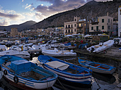 Italy, Sicily, Province of Palermo, Mondello, Harbour in the evening - AMF003111