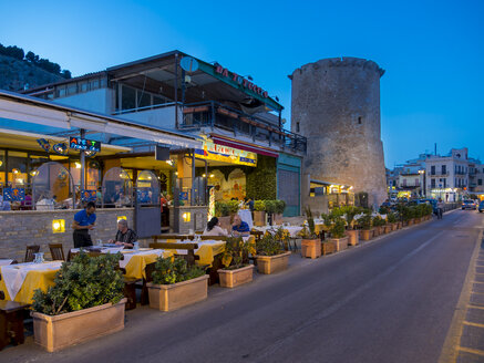 Italy, Sicily, Province of Palermo, Mondello, Restaurants in the evening - AM003118