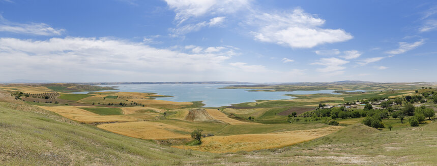 Turkey, Anatolia, South East Anatolia, Adiyaman Province, Akpinar, View to Reservoir Lake Atatuerk Dam - SIE006217