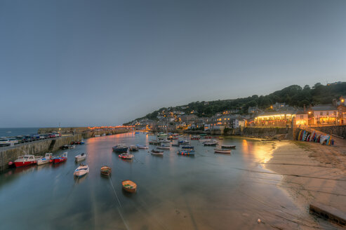 United Kingdom, England, Cornwall, Mousehole, Fishing harbour at rising tide - FRF000067