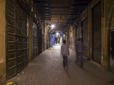 Africa, Morocco, Marrakesh, Medina, Alley at night - AM003125