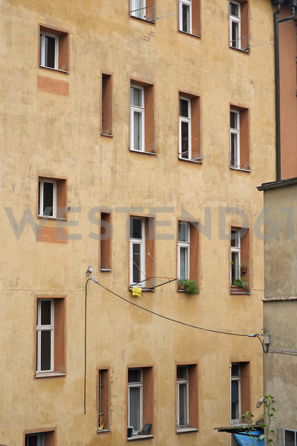 Germany, back side of old multi-family house - HLF000757