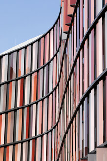 Germany, North Rhine-Westphalia, Cologne, part of facade of modern office building - GUFF000014