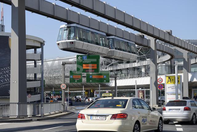 Germany, North Rhine-Westphalia, Duesseldorf, Airport, Skytrain, Driveway to departure lounge - GUF000025