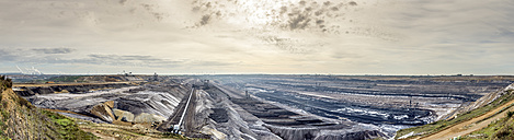 Germany, North Rhine-Westphalia, Grevenbroich, Garzweiler surface mine, Panorama - FR000108