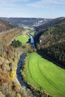 Germany, Baden Wuerttemberg, Tuttlingen District, Upper Danube Nature Park, View of Upper Danube Valley in autumn - ELF001390